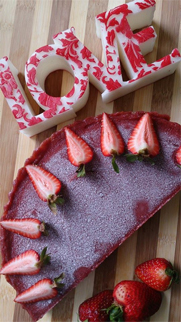 raw strawberry cake